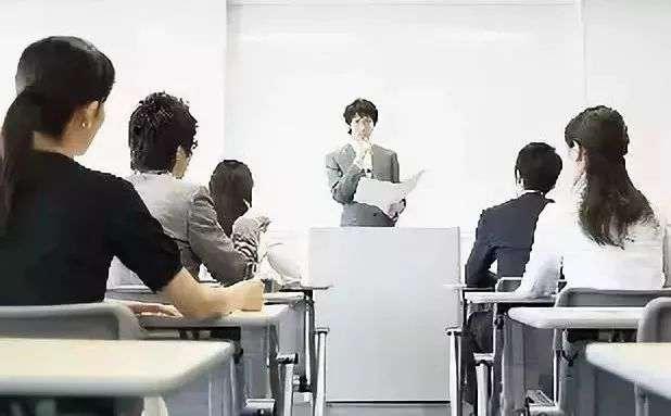 摆脱经验,才能迎来职业化发展,从而取得更大的成就